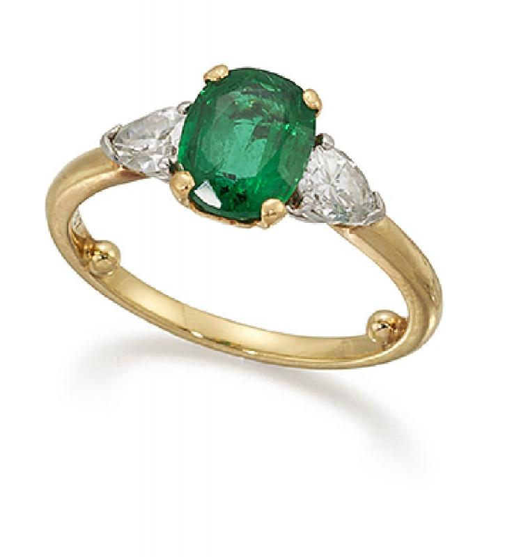 Cartier Ring Emerald